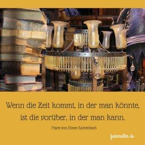 Verstaubter Kronleuchter, alte Bücher Schreibgruppe Federreiter-BlogElmshorn